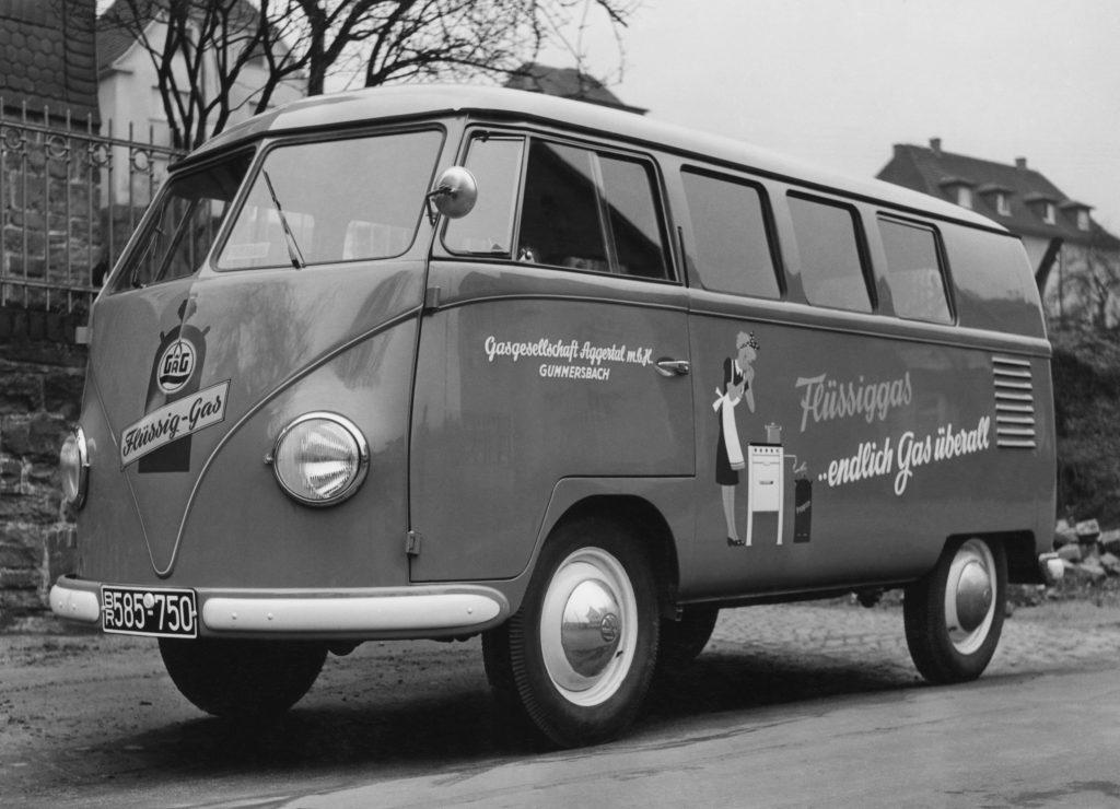 """Fahrzeugbeschriftung der Firma """"Neon Brüggen"""" auf einem Volkswagen TI. Foto: Sammlung Neon Brüggen, Wiehl"""
