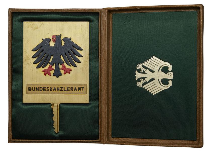 Goldener Schlüssel für das Bundeskanzleramt, 1977